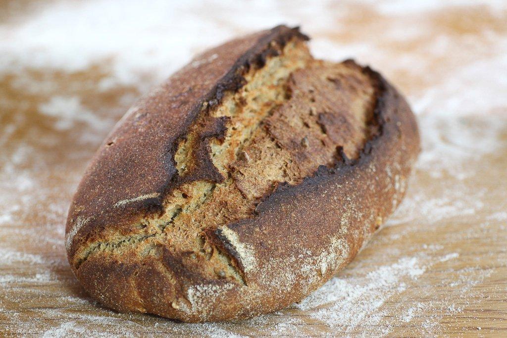 לחם שאור אורגני מלא מקומי